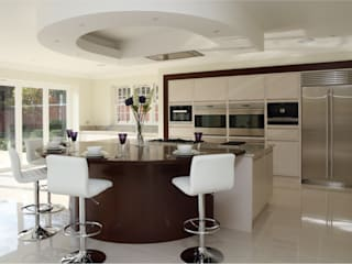 Large contemporary kitchen, Hertfordshire Modern Kitchen by John Ladbury and Company Modern