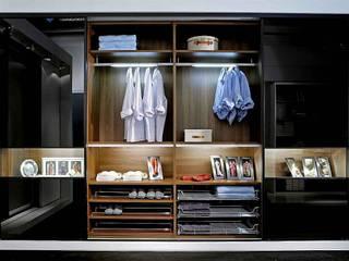Vestidores y closets de estilo  por PARGA WOHNKONZEPT GMBH