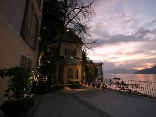 Villa Silva - Torno Como Lake Archiluc's - Studio di Architettura Stefano Lucini Architetto Balkon, Beranda & Teras Klasik