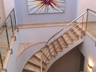 Corredores, halls e escadas modernos por AZD Diseño Interior Moderno