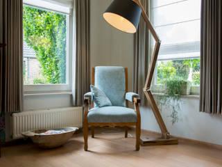 Leesplekje:  Woonkamer door Hemels Wonen interieuradvies en ontwerp