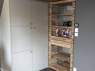Moderne Schlafzimmer von Ad Hoc Concept architecture Modern