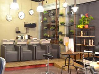 ZONA LAVAGGI: Negozi & Locali commerciali in stile  di CATRIN INTERIOR DESIGNER