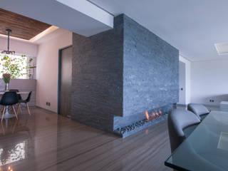 Moderne Ankleidezimmer von kababie arquitectos Modern