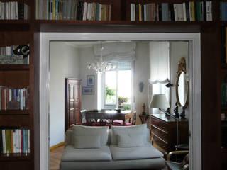 Vista dallo studio: Soggiorno in stile in stile Eclettico di Interni d' Architettura