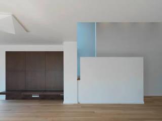 Jednacz Architekci Salas de estilo minimalista