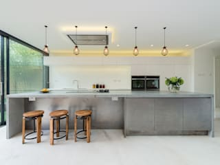 Lyndhurst Grove:  Kitchen by Will Eckersley
