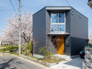 Moderne Häuser von 株式会社リオタデザイン Modern