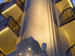 Гостиницы в эклектичном стиле от GHINELLI ARCHITETTURA Эклектичный