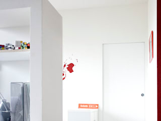 Minimalistische Wohnzimmer von M N A - Matteo Negrin Minimalistisch