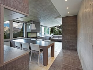 Contemporary with Dolomites view 根據 nz|A by Nicola Zema - design association in italy 簡約風