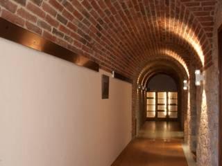 Der Gewölbegang, der verbindet:  Flur & Diele von Jahn Gewölbebau