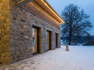 Natursteinfassade - Stein auf Stein:  Häuser von Jahn Gewölbebau