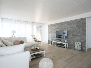 Salas / recibidores de estilo  por skizzenROLLE, Rural