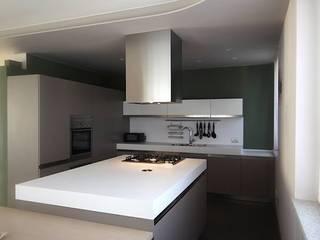 Appartamento_AT: Cucina in stile in stile Moderno di Studio di Architettura Matteo Faroldi