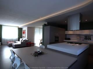 Appartamento_AT: Soggiorno in stile in stile Moderno di Studio di Architettura Matteo Faroldi