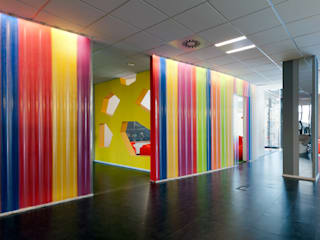 Modern nursery/kids room by Tommaso Giunchi Architect Modern