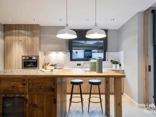 Crespià: Cocinas de estilo  de Dröm Living