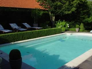 Wasser im Garten privater Schwimmingpool: klassischer Pool von japan-garten-kultur