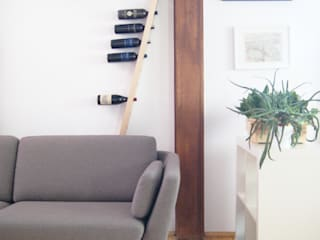 TU LAS wine rack in private interior por TU LAS Minimalista