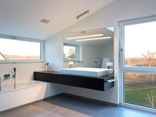 m67 architekten의  욕실,