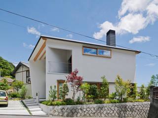 谷間の家: 株式会社 長野総合建築事務所が手掛けた家です。