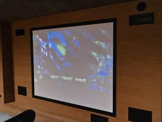 Sistema Home cinema THX 7.2 di C.A.T di Bertozzi & C s.n.c Moderno