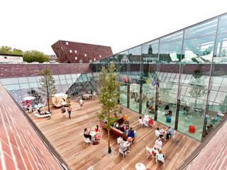 Einkaufen unter den drei Eichen:  Einkaufscenter von bob-architektur  BDA