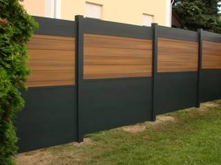Sichtschutz am Haus und im Garten BEGO Holz und Stahl Moderner Balkon, Veranda & Terrasse