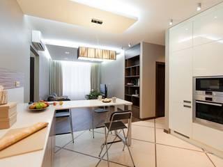 Простор и чистота. Квартира для молодой семьи с ребёнком. Кухня в стиле минимализм от INTERIOR PROJECT studio Минимализм