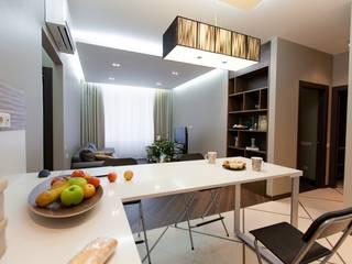 Простор и чистота. Квартира для молодой семьи с ребёнком. Столовая комната в стиле минимализм от INTERIOR PROJECT studio Минимализм