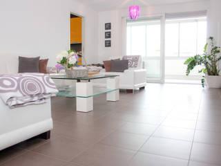 Immobilienfotografie:  Wohnzimmer von Hoffmann Immobilienpräsentation Home Staging & Redesign UG (hfb.)