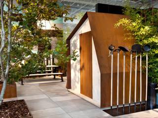 Modern garden by Filippo Pisan Modern