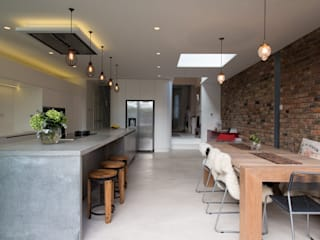 Peckham Victorian house wrap around extension Cuisine industrielle par Ar'Chic Industriel