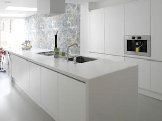 basement creation and 3 storey house extension Cucina minimalista di Ar'Chic Minimalista