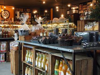 l'Atelier Culinaire, l'épicerie raffinée à Eguilles, près d'Aix en Provence Gastronomie moderne par Agence Design d'Espaces Moderne