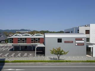 弥生が丘のクリニック モダンな病院 の 山口修建築設計事務所 モダン
