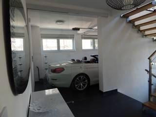 Garasi oleh VNUTRI, Minimalis