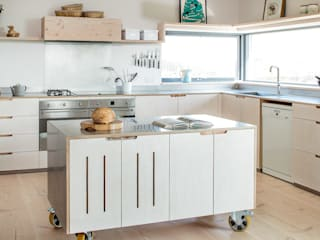 Contemporary Eco Kitchen in the Cotswolds Scandinavian style kitchen by homify Scandinavian