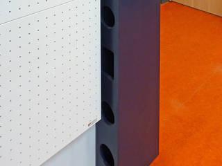 Tast-Akustik-Skulpturen 2010-2011 im Modell-Bauvorhaben CO2-neutrale PLUS-Energie-Kindertagesstätte Wustrow : modern  von buttler architekten,Modern