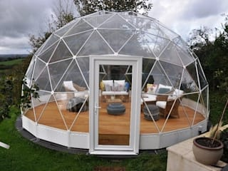 Solardome glasshouses:  Garden by Solardome Industries Limited, Modern