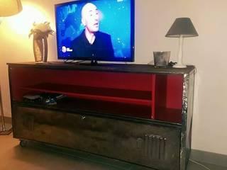 meuble tv vestiaire:  de style  par Esprit loft recup