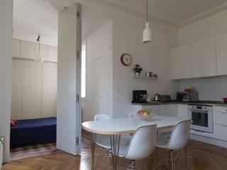 Appartement Martel, Paris 10e: Salle à manger de style  par Ramsés Salazar Architecte