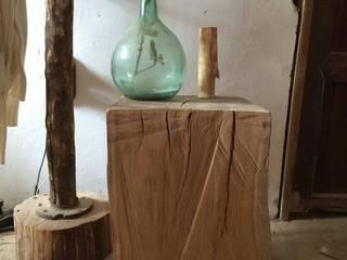 Mesa auxiliar eucalipto:  de estilo  de Con Alma Design