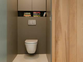 Casas de banho modernas por BO6 Moderno