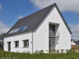 Einfamilienhaus in Flensburg Moderne Häuser von Architektenbüro Lorenzen, Freischaffende Architekten BDA Modern