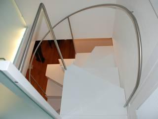 Corridor & hallway by Studio di architettura Baldin & Partners, Modern