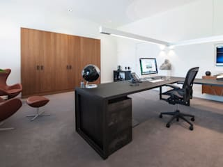 Modern Study Room and Home Office by Mood Interieur Modern
