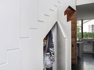 Palma Plaza Residence Couloir, entrée, escaliers modernes par Hugh Jefferson Randolph Architects Moderne