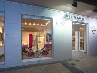 Artebasik Reformas en Zaragoza: Oficinas y Tiendas de estilo  de Artebasik Reformas